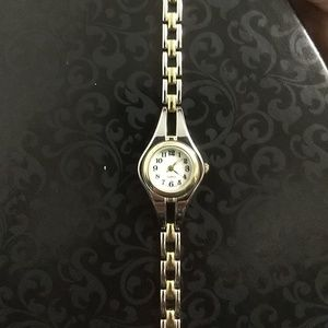 NEW🌷 Women's Two Tone Watch